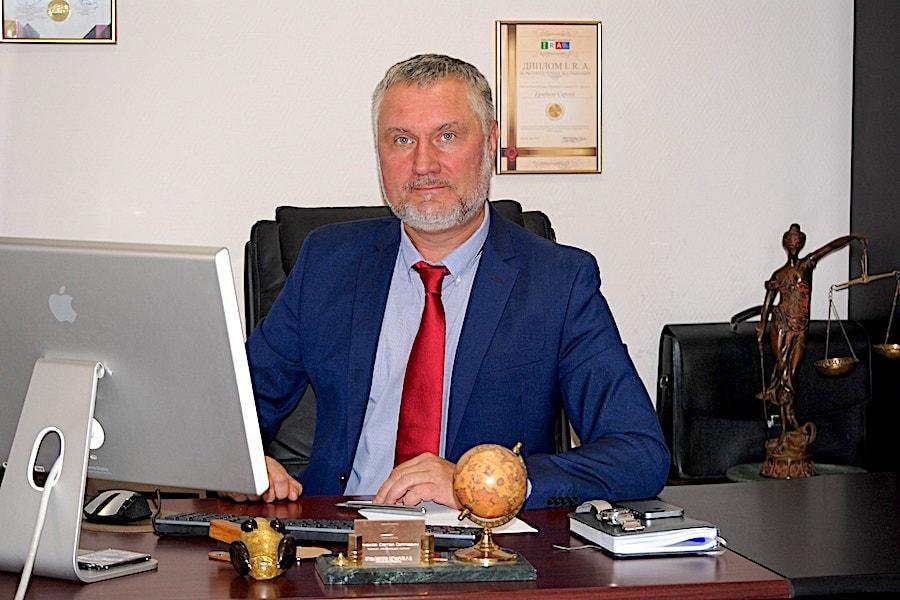 Lawyer Gribkov Sergey Sergeevich